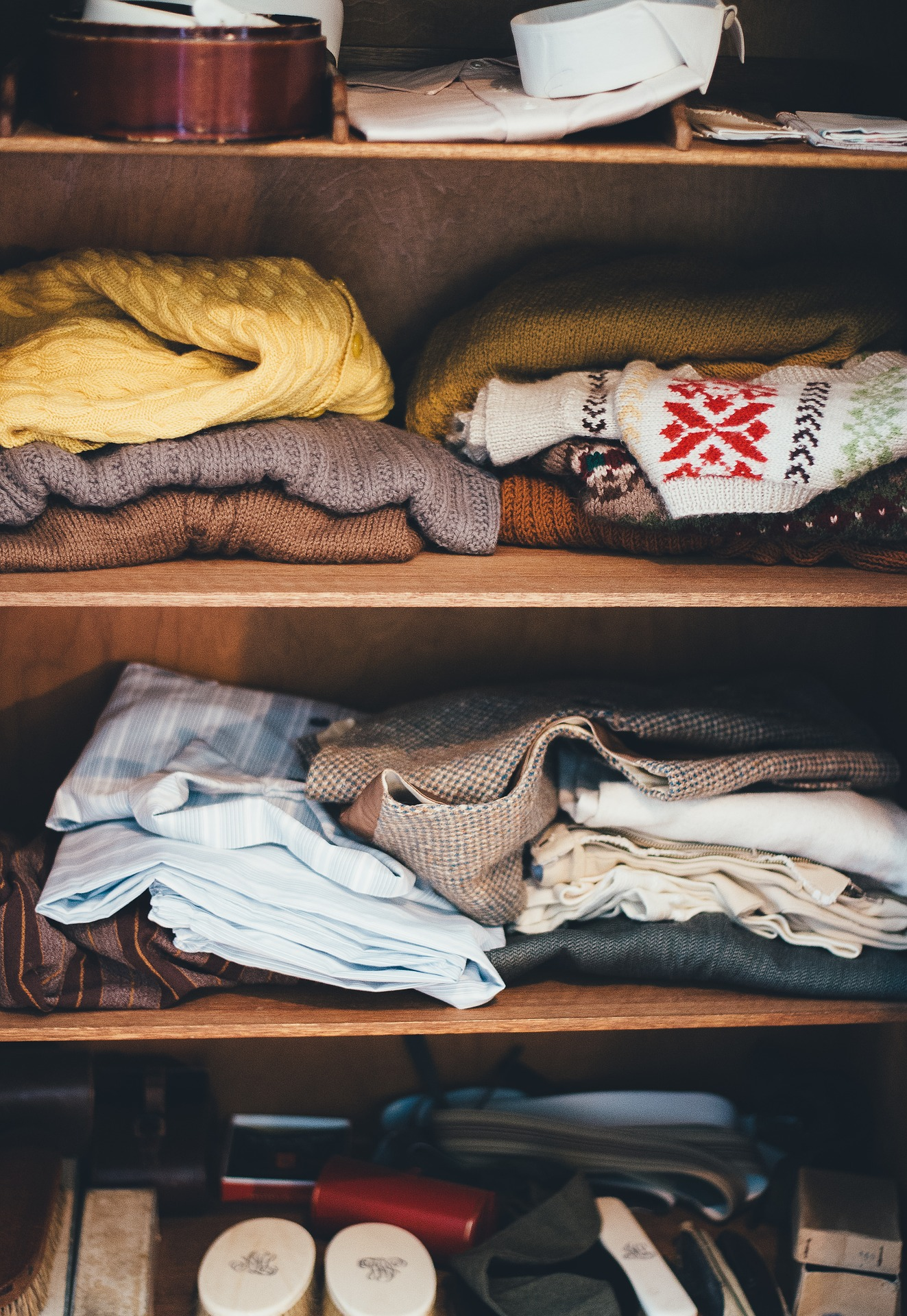 Fall Decluttering – Top seven tips and tricks you can use for your wardrobe